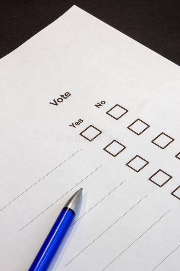 Голосовать-множественные коробки выбора да нет стоковые фото