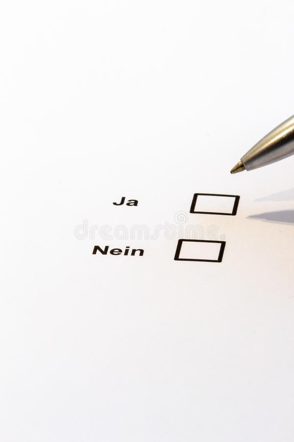Голосовать-множественные коробки выбора да нет стоковое изображение rf