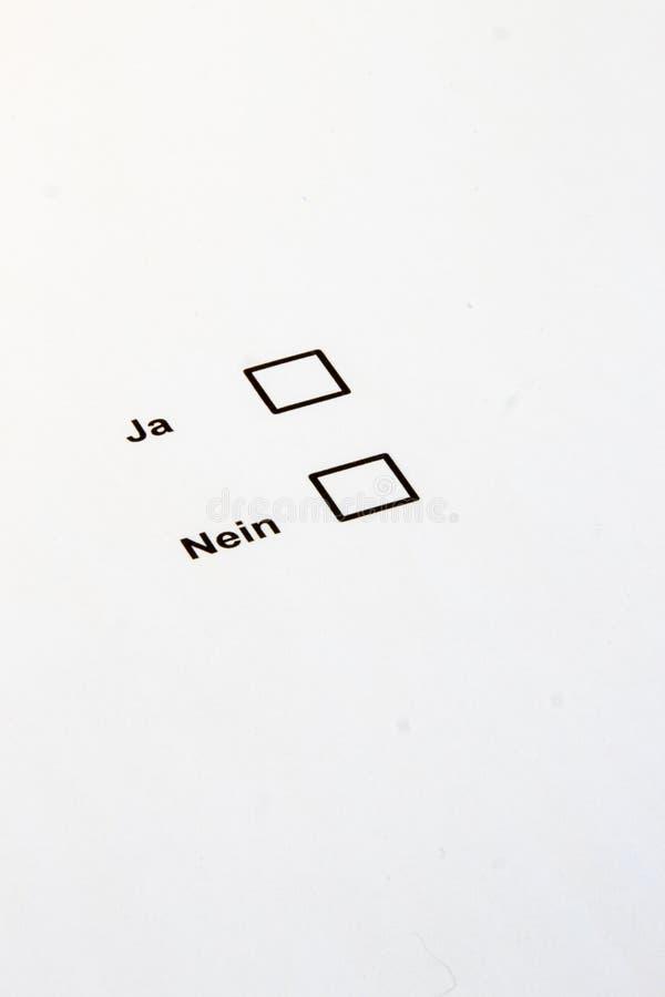Голосовать-множественные коробки выбора да нет стоковое изображение