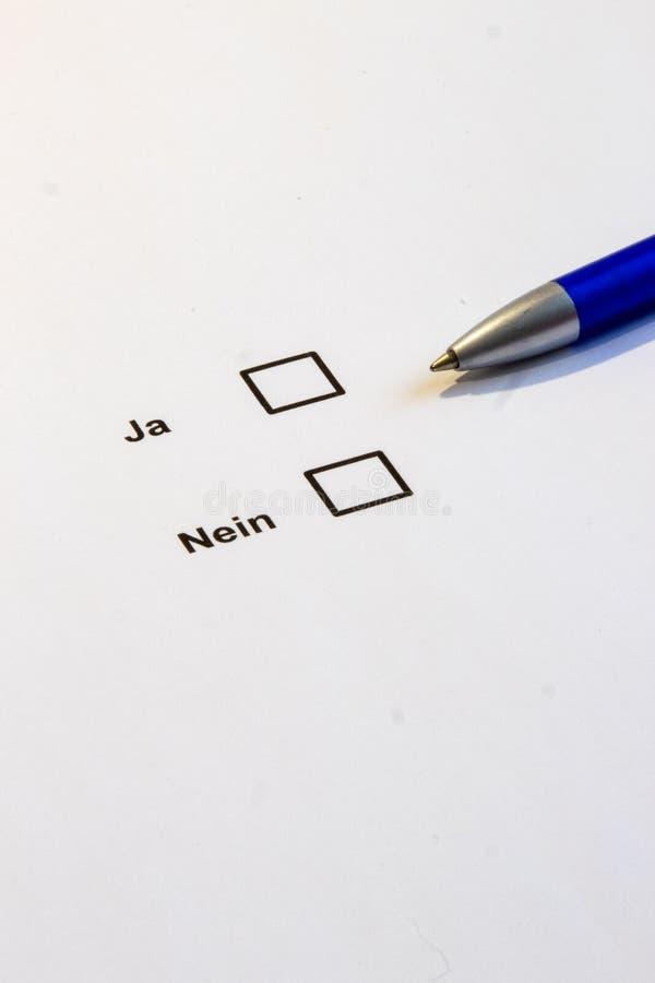 Голосовать-множественные коробки выбора да нет стоковая фотография rf