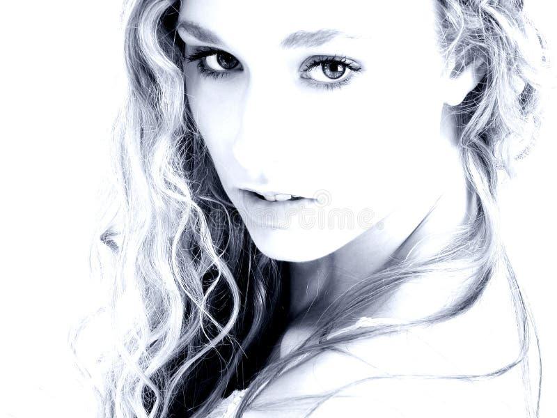 голубая блестящая женщина тонов стоковая фотография