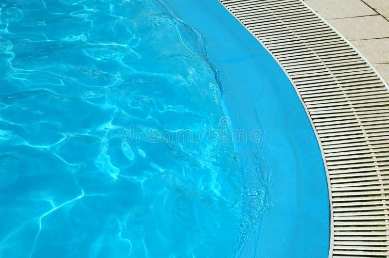 голубая вода бассеина стоковое изображение rf