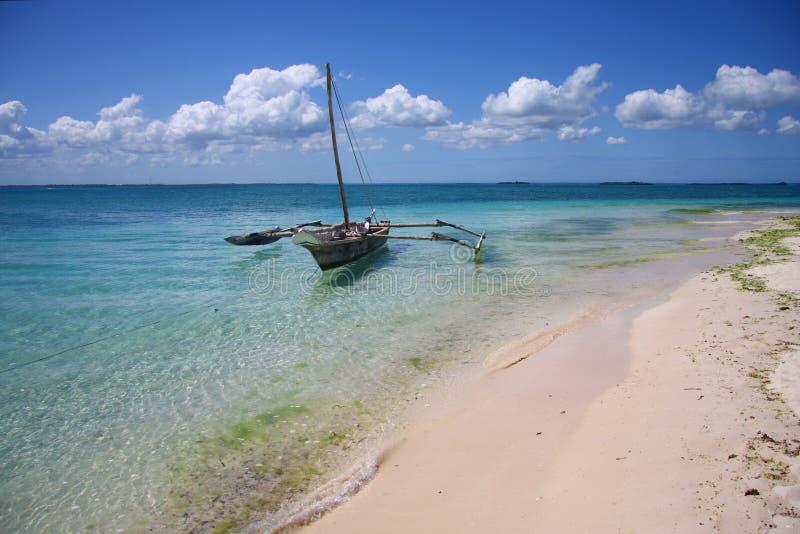 голубая вода sailing порта океана шлюпок стоковое изображение