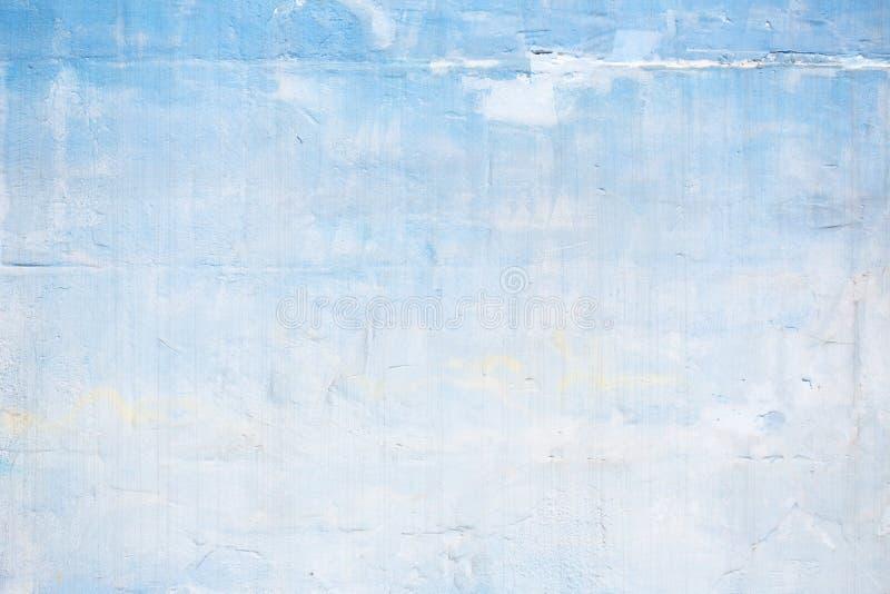 Голубая и белая покрашенная стена треснутая grunge с текстурой для предпосылки стоковое изображение rf