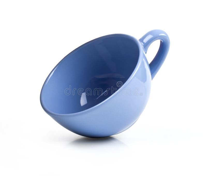 Голубая кружка изолированная на белизне стоковые изображения rf