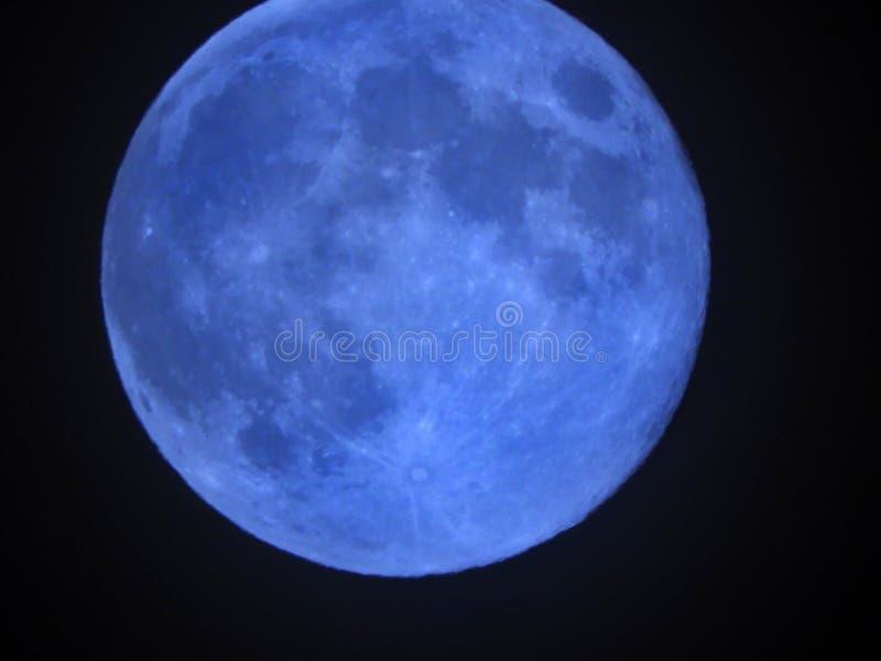 Голубая луна видимая в мае 2019 стоковое изображение rf