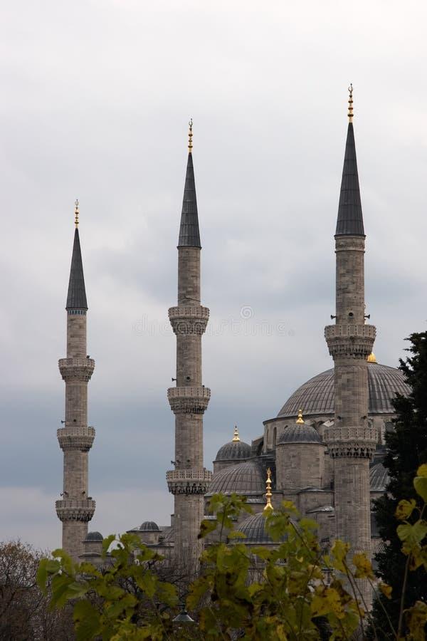 голубая мечеть минаретов стоковые изображения rf