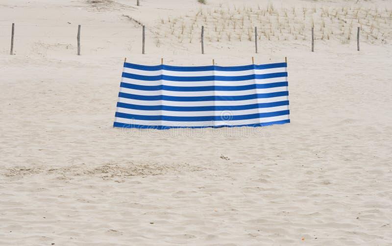 Download голубое белое лобовое стекло Стоковое Изображение - изображение насчитывающей нидерланды, windshields: 18395033