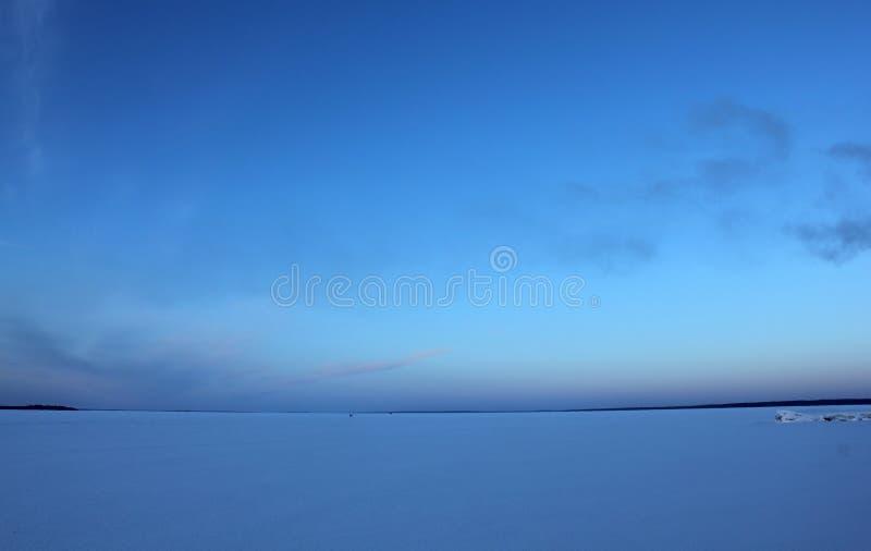 голубое небо льда стоковое изображение