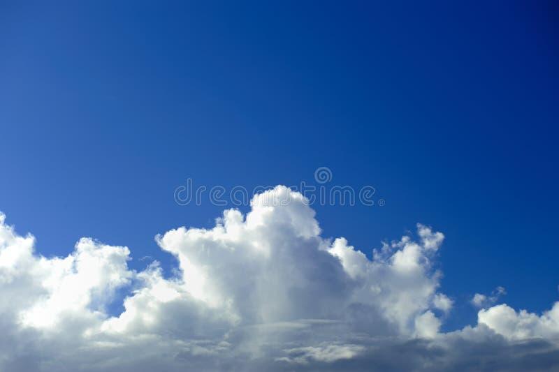 голубое небо cloudscape стоковые изображения rf