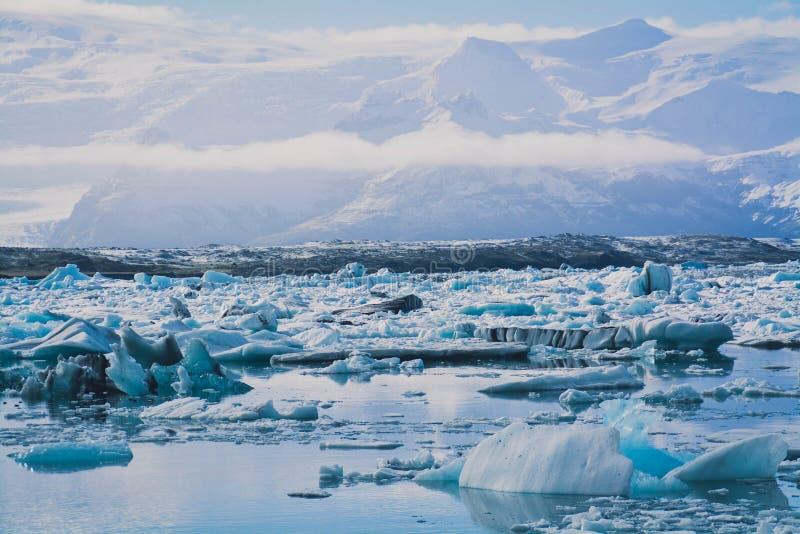 Голубое озеро лед стоковые изображения