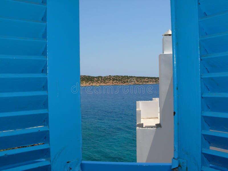 голубое окно Крита стоковое изображение rf