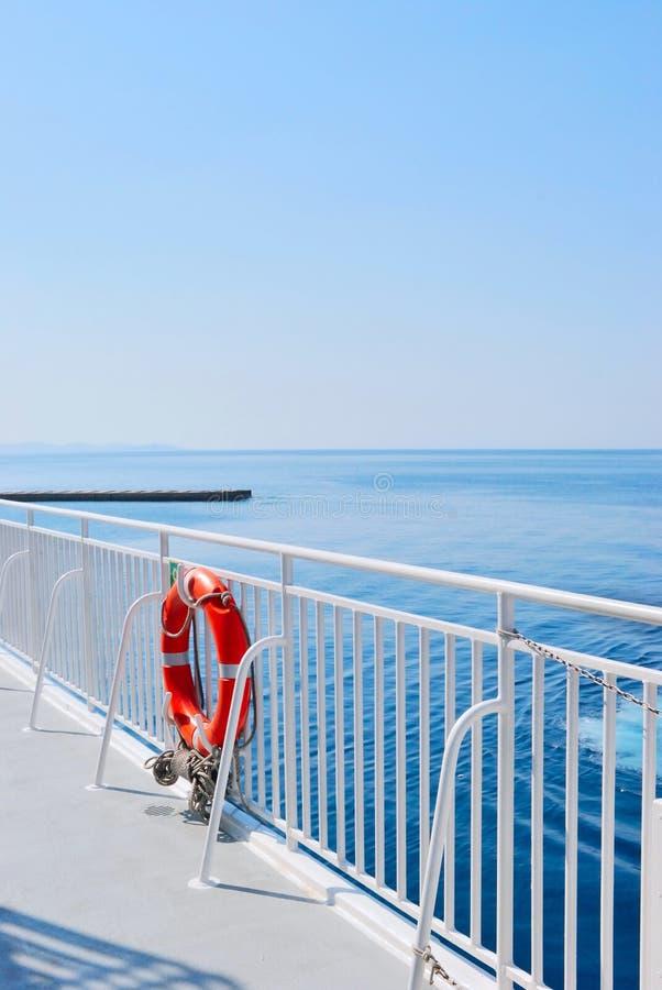 Download голубое переднее Lifebuoy Красное Море Стоковое Изображение - изображение насчитывающей промышленно, bluets: 18398051