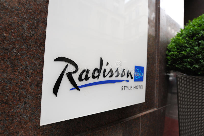 голубое radisson логоса гостиницы стоковое фото rf