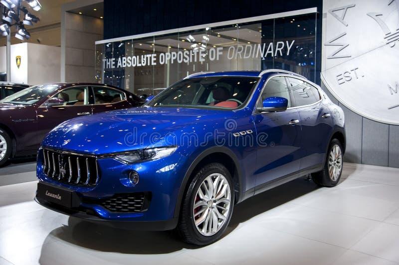 Голубой автомобиль maserati стоковые изображения rf