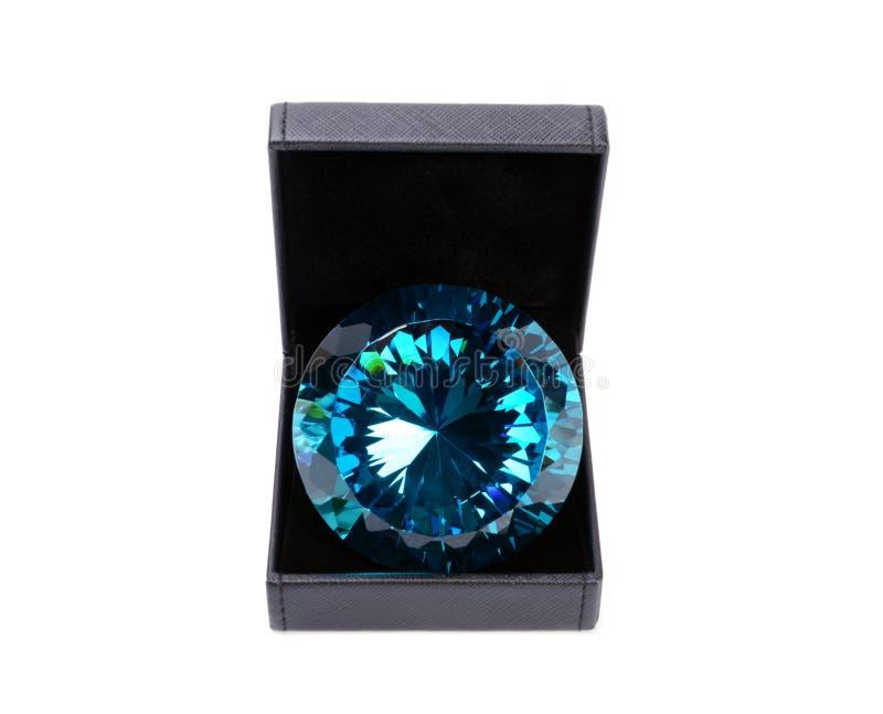 Голубой диамант в подарочной коробке стоковые изображения rf