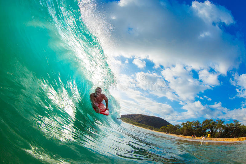голубой заниматься серфингом океана тела пансионера стоковая фотография