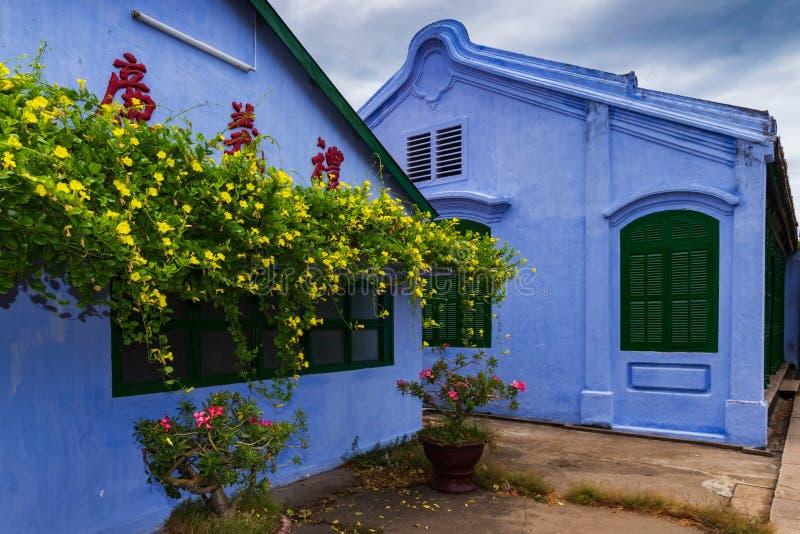 Голубой китайский висок в древнем городе Hoi, Вьетнаме стоковые фотографии rf