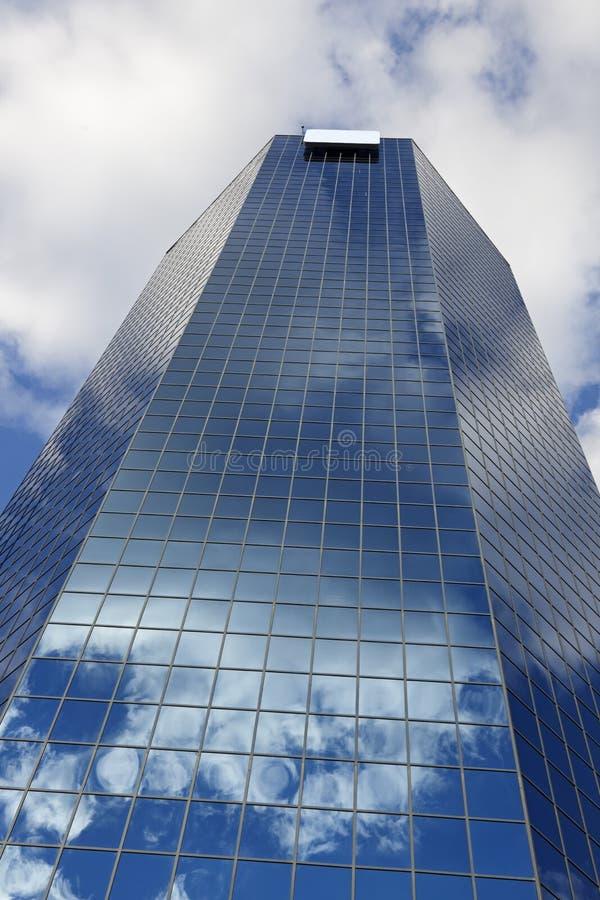 Голубой небоскреб в Lexington стоковые фотографии rf