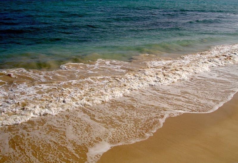 Download голубой океан стоковое фото. изображение насчитывающей снаружи - 650680