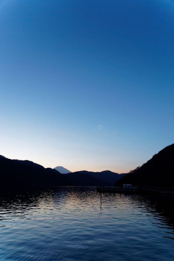 Голубой Фудзи от озера Ashi стоковая фотография rf