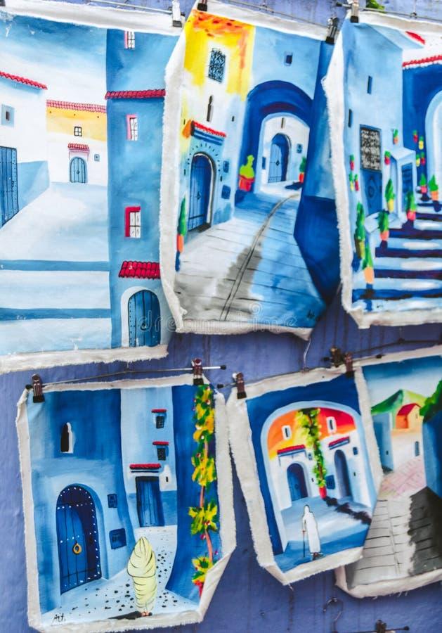 Голубые кожаные чертежи внутри chefchaouen стоковое фото