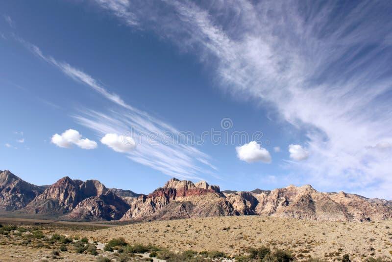 Голубые небеса на каньоне Лас-Вегас Неваде Redrock стоковая фотография rf