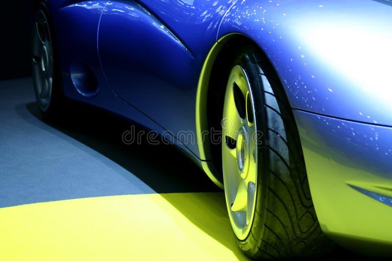 голубые спорты автомобиля стоковое изображение rf