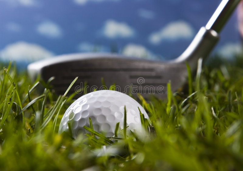 Download гольф шарика близкий вверх стоковое фото. изображение насчитывающей проход - 6858556