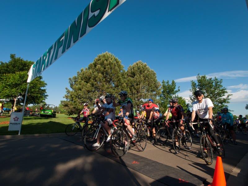 Гонка велосипедистов стоковые фото