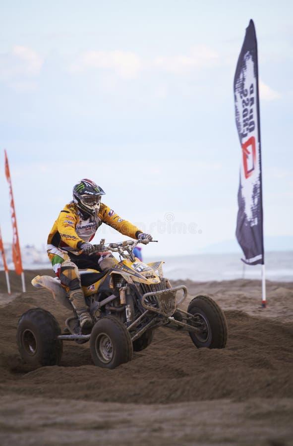 Download гонка квада motocross редакционное изображение. изображение насчитывающей двигатель - 18390120