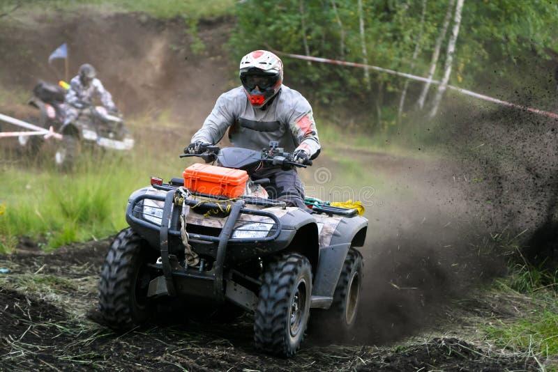 Гонка крайности квада ATV стоковое изображение