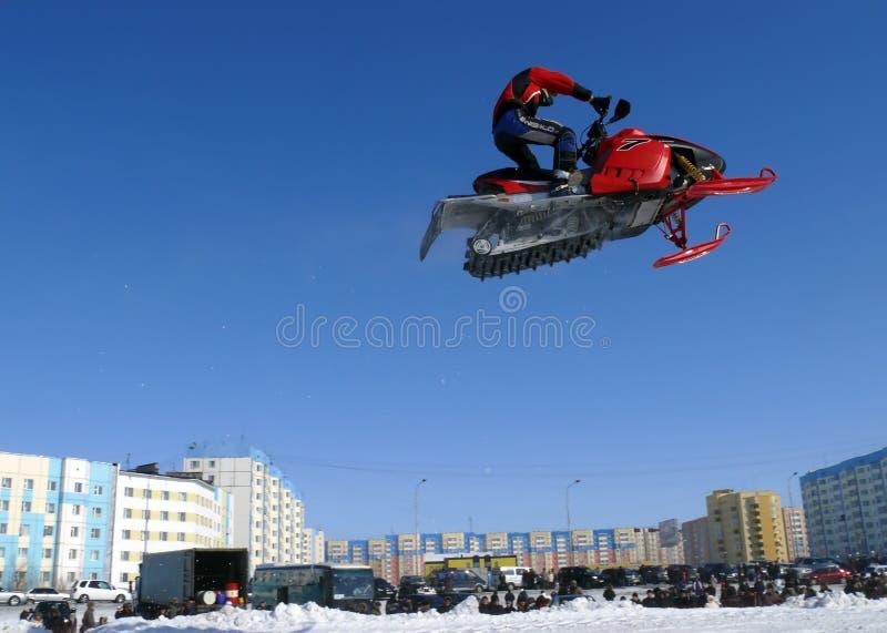 Гонка снега вездеходная стоковые фотографии rf