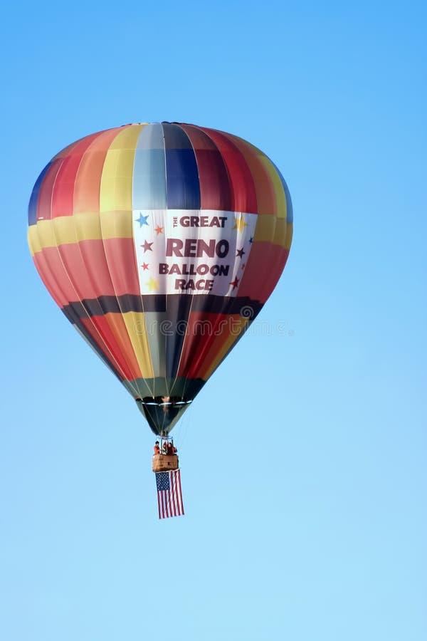 Download гонка Reno воздушного шара большая Редакционное Стоковое Изображение - изображение насчитывающей летание, корзины: 18383279