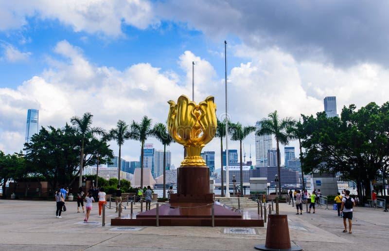 Гонконг - 9-ое августа 2018: Золотой квадрат Bauhinia в Гонконге стоковое фото
