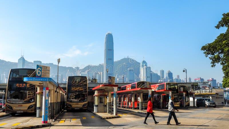 ГОНКОНГ - 10-ОЕ ДЕКАБРЯ 2016: Гавань Виктория автовокзала, 10-ого декабря 2016 в Гонконге С массой земли 1 104 km и a стоковые фото