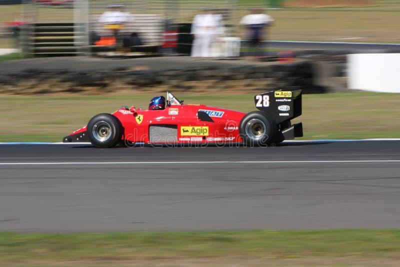 Гоночный автомобиль 1987 формулы 1 Феррари 156 на классике острова Филиппа стоковые фото