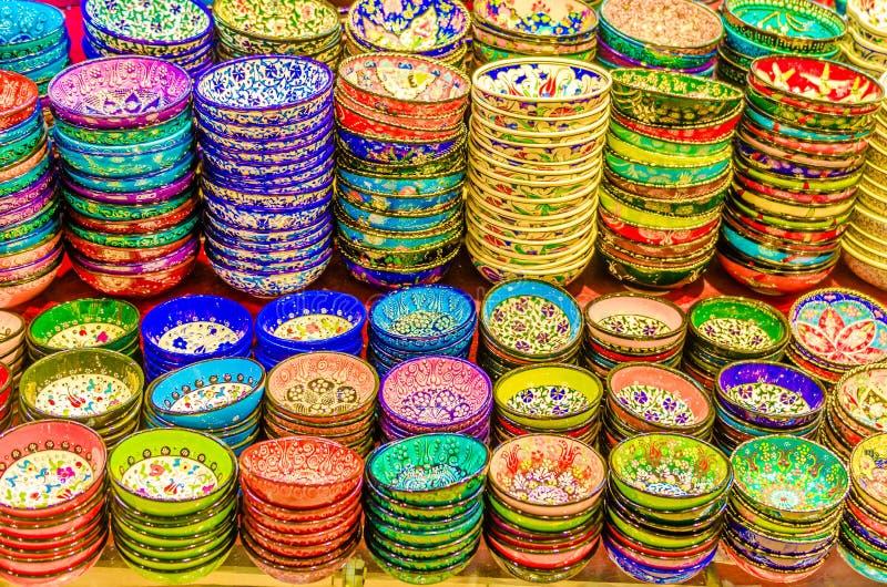 Гончарня в грандиозном базаре Стамбуле стоковая фотография rf