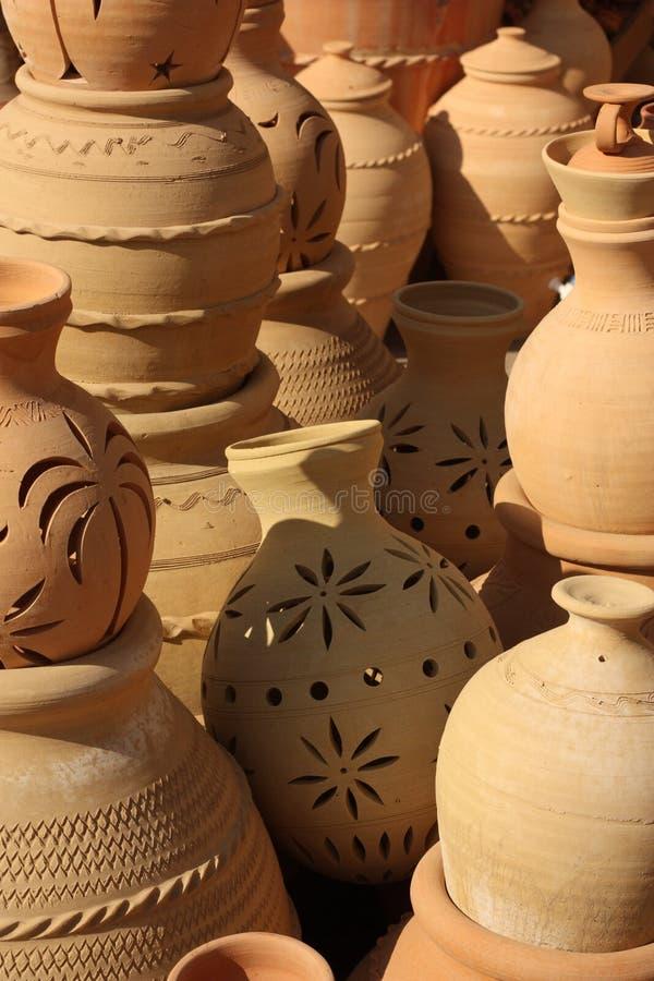 Гончарня в Nizwa Souq, Омане стоковые изображения