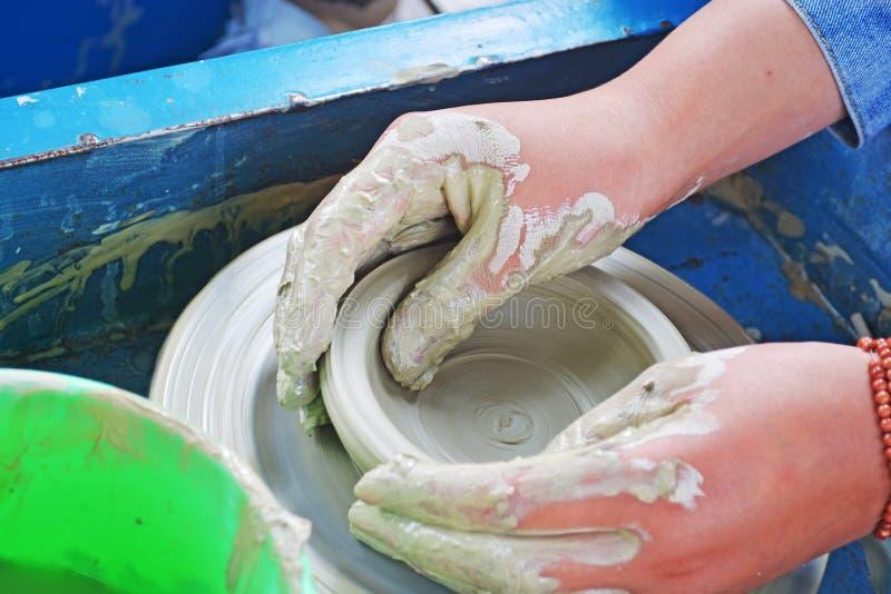 Гончарня - handmade керамика стоковые изображения rf