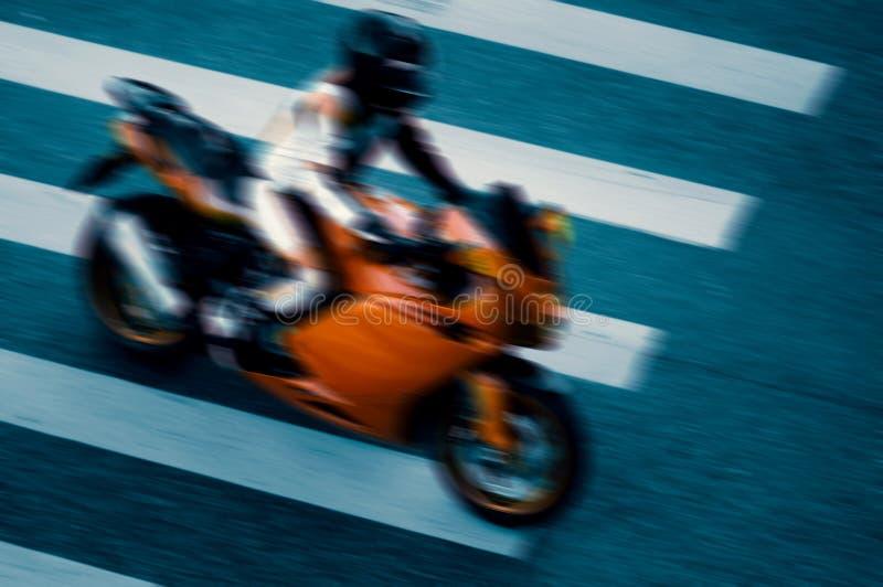 Гонщик мотоцикла стоковые изображения rf