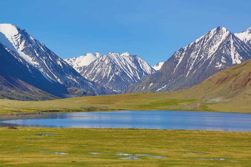 гора ландшафта озера Крыма dag ayu стоковые изображения rf