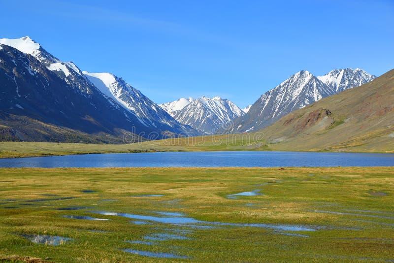 гора ландшафта озера Крыма dag ayu стоковые фото