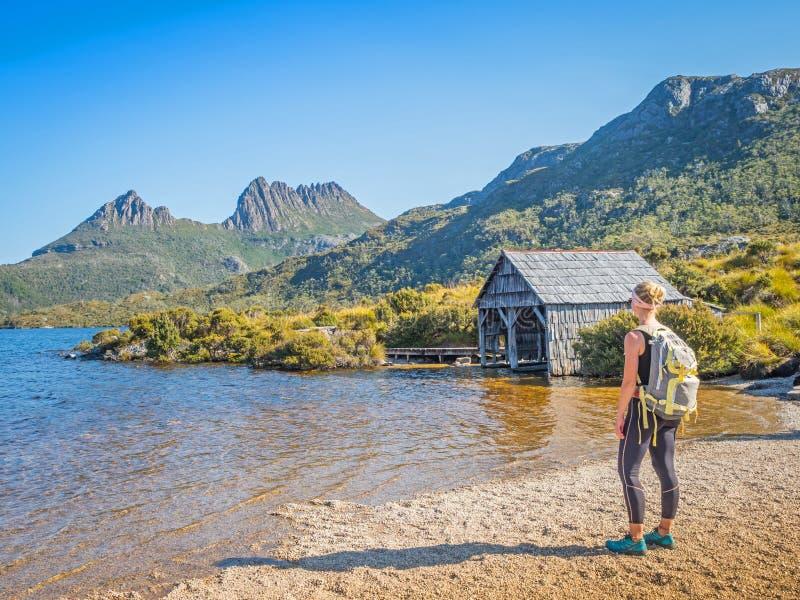 Гора вашгерда и озеро голубь стоковое фото