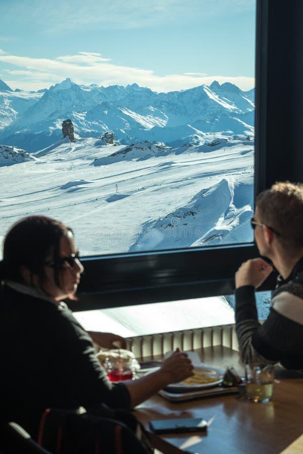 Гора взгляда Idilic стоковое фото rf
