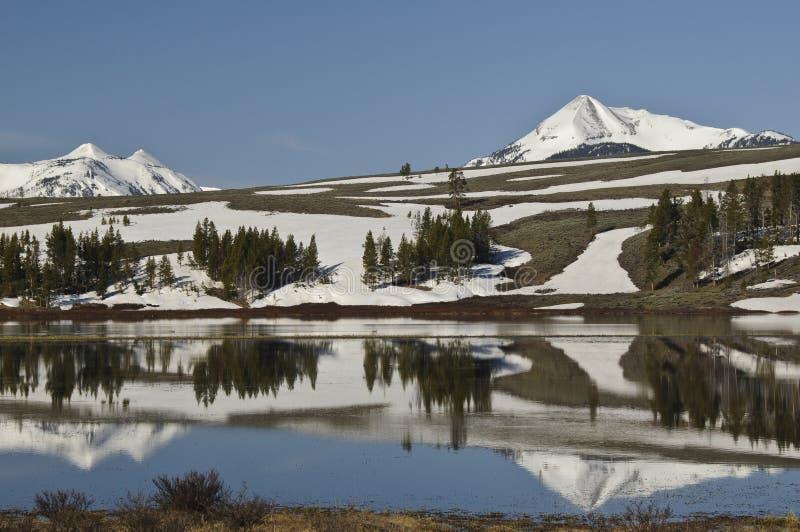 гора делает по образцу снежок стоковое изображение