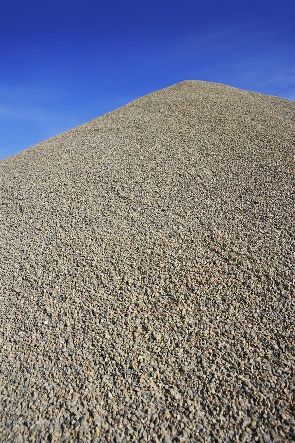 гора насыпи конкретного гравия серая делая стоковая фотография rf