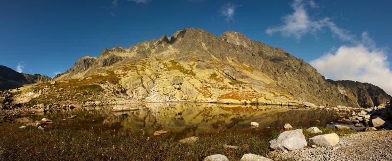 гора озера вечера стоковая фотография