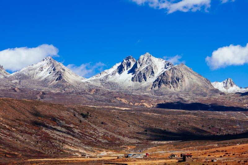 Гора осени утра стоковые фото