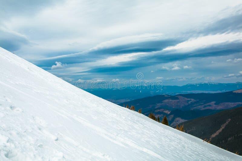 Гора украинца Goverla стоковые фотографии rf